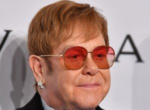 Photo of Hip surgery for Elton John, who will resume his farewell tour in 2022