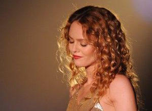 """Photo of """"It's detestable"""": Vanessa Paradis reacts to the controversy over the price of her theater tickets"""