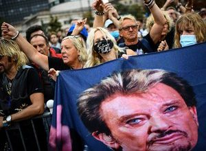 Photo of Bikers, fans, a statue: a day of tribute to Johnny Hallyday