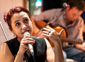 Photo of Narbonne.  Geraldine Torres, a free and passionate singer