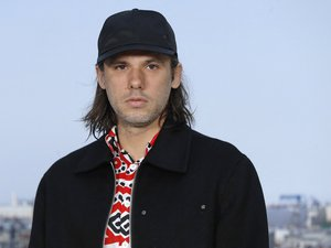 orelsan-told-by-his-brother-in-a-documentary-series