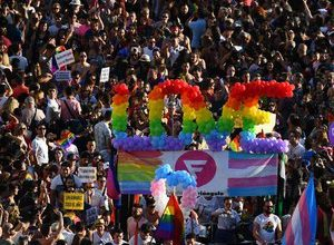 """Photo of Spanish hospital claims woman suffers """"from homosexuality"""": wave of anger across the Pyrenees"""