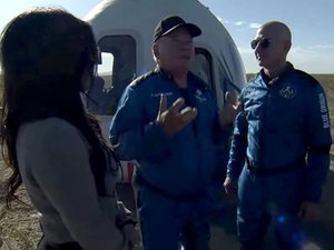 video.-star-trek's-captain-kirk-has-truly-made-it-to-space