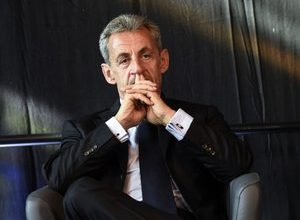 """Photo of Special guest in """"C à vous"""", Nicolas Sarkozy evokes Zemmour and his legal affairs around the promotion of his book"""