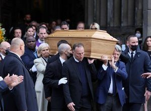 Photo of IN IMAGES, IN PICTURES.  Death of Bernard Tapie: sportsmen, politicians and artists at mass in tribute to the businessman in Paris